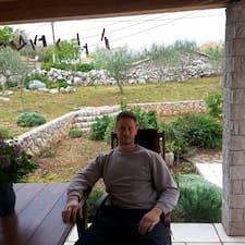 Tomislav es el anfitrión.