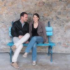 Céline & Nicolas is the host.