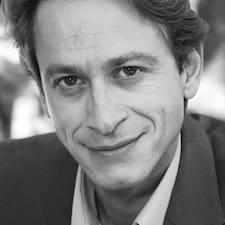 René-Alban est l'hôte.