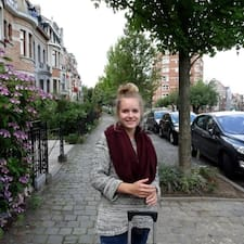 Léah User Profile
