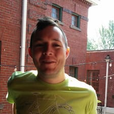 Bryce felhasználói profilja