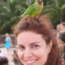 Alessandra ist der Gastgeber.