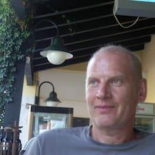 Jürgen è l'host.
