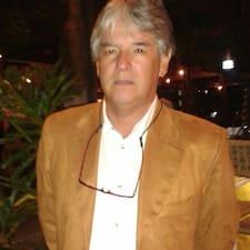Jorge Enrique es el anfitrión.