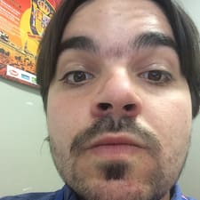 Víctor User Profile