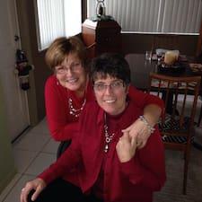 โพรไฟล์ผู้ใช้ Esther And Marjie
