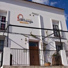 El Balcón De Alange è l'host.