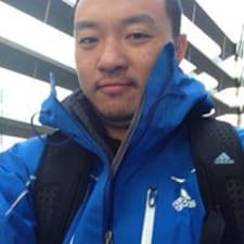 โพรไฟล์ผู้ใช้ Yijia