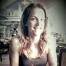 Profil Pengguna Marie Claude