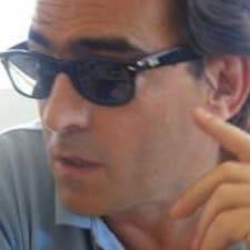Jose Manuel是房东。