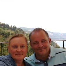 โพรไฟล์ผู้ใช้ Tanya & Robert
