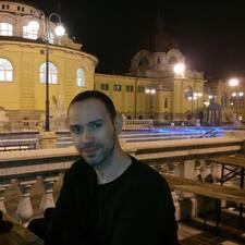 Dimitar — хозяин.