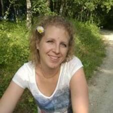 Carlyne Brugerprofil