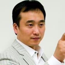 Dong Hyuk的用户个人资料