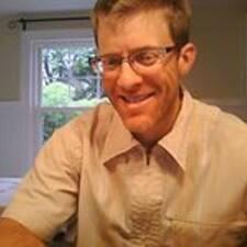 Aron felhasználói profilja