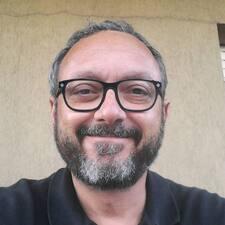 Alberto — хозяин.