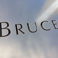 Bruce Brukerprofil
