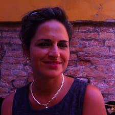 Ana Claudia est l'hôte.
