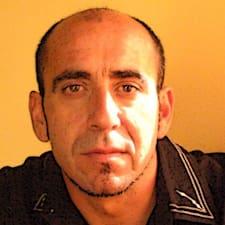 Iñaki ist der Gastgeber.