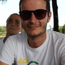 โพรไฟล์ผู้ใช้ Daniele