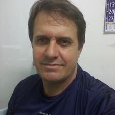 Heraldo João is the host.