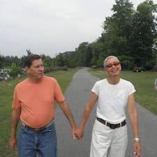 Susan And Michael Brugerprofil