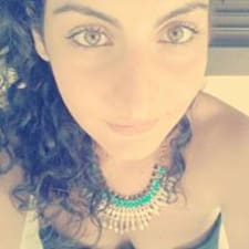 Maria Carmela คือเจ้าของที่พัก