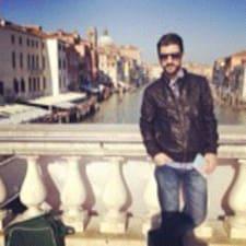 Murat — хозяин.