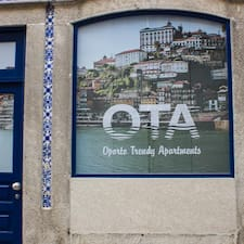 Oporto Trendy Apartments — хозяин.