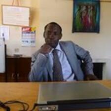 Mphatso es el anfitrión.