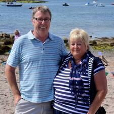 Christine & John es el anfitrión.