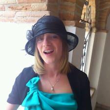 Elisabetta est l'hôte.