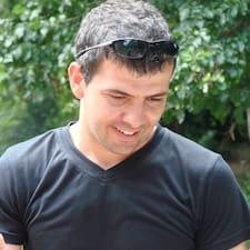 Yashar User Profile