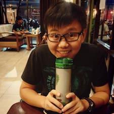 โพรไฟล์ผู้ใช้ Huey Yee