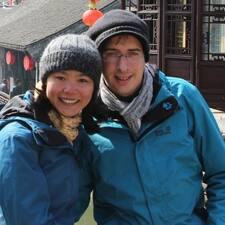 Yiqiu And Nicolas Brugerprofil