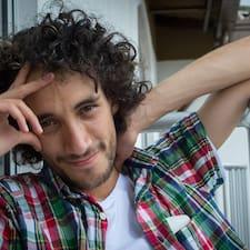 Juan David è l'host.