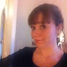 Profil Pengguna Pauline