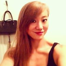 Qian est l'hôte.