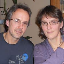 โพรไฟล์ผู้ใช้ Jim & Sylvia