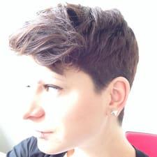 Julia - Uživatelský profil