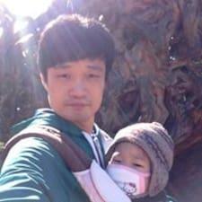 Ji-Hyuk的用户个人资料