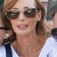 โพรไฟล์ผู้ใช้ Florence