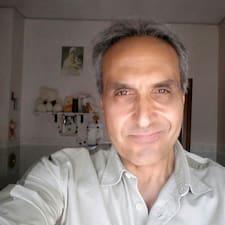Giorgio es el anfitrión.