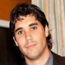 Profil Pengguna Carlos J.