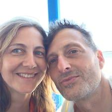 โพรไฟล์ผู้ใช้ Xandra & David