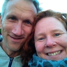 Profil Pengguna Jenifer & Brian
