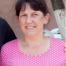 Audronė es el anfitrión.