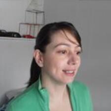 Taís User Profile