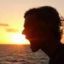 Clement felhasználói profilja