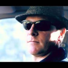 โพรไฟล์ผู้ใช้ Neal